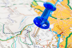 Pushpin on a tourist map Royalty Free Stock Photography