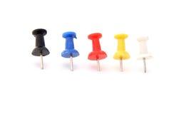 Pushpins coloridos Fotos de Stock