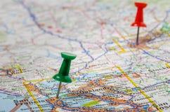 Pushpins Drogowa mapa Zdjęcie Stock