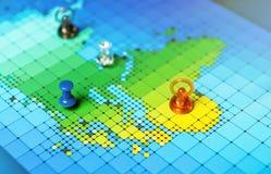 Pushpins na mapie Afryka i Europa Zdjęcie Royalty Free
