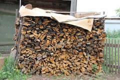 Puso una pila de madera prevista para el horno de la inflamación Imagenes de archivo