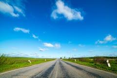 pusta droga obszarów wiejskich Fotografia Royalty Free