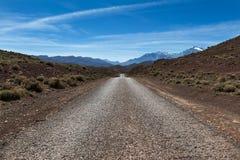 Pusta droga w Wysokim atlanta regionie Maroko, afryka pólnocna Zdjęcia Royalty Free