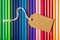 Pusta etykietki etykietka na kolorów ołówkach Zdjęcie Royalty Free