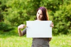 pusta gospodarstwa plakatu kobieta Fotografia Stock