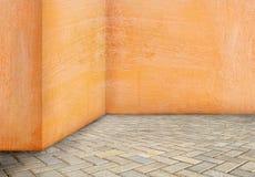 Pusta kąt ściana starzał się starego brudnego grungy rocznika tło W obraz royalty free