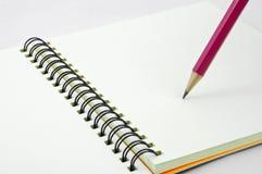 pusta książkowej notatki strony ołówka czerwień Zdjęcia Stock