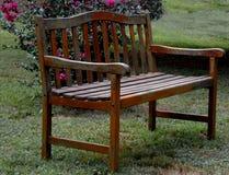 Pusta Parkowa ławka Zdjęcia Stock