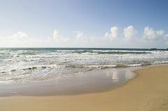 Pusta piaska morza lub oceanu plaża Fotografia Stock