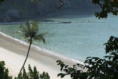 pusta plaża Nabrzeżna linia Zdjęcie Royalty Free