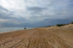 Pusta Plażowa brfore burza zdjęcie stock