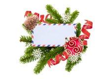 Pusta pocztówka, Bożenarodzeniowe piłki i jedlina odizolowywająca na bielu, Fotografia Royalty Free