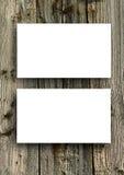 Puste miejsce białe wizytówki na drewnianym tle Fotografia Royalty Free