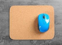 Puste miejsce matowa i bezprzewodowa mysz Zdjęcie Stock