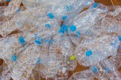 Puste plastikowe butelki woda Zdjęcia Royalty Free