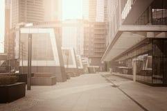 puste-ulicy-biznesowy-centrum-miasta-46036683.jpg