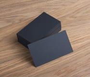 Puste wizytówki na drewnianym tle Zdjęcie Stock