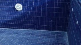 Pustego basenu mydlani bąble nikt hd materiał filmowy zbiory wideo