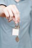 Pustego klucza fob w ręki zakończeniu up zdjęcie royalty free