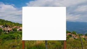 Pustego reklama billboarda znaka ścinku ścieżki szablonu reklamy sztandaru Miastowy Jawny Biały Odosobniony egzamin próbny W górę zdjęcie royalty free