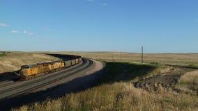 Pustego węgla taborowi i sztachetowi samochody w Wyoming, usa obraz royalty free