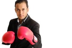 Pusture бизнесмена с перчатками бокса Стоковое фото RF