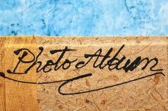 Pusty album fotograficzny z drewnianą pokrywą Obrazy Royalty Free