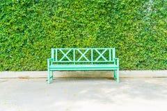pusty ławka park Zdjęcie Stock