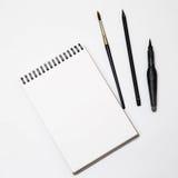 Pusty biały papier z muśnięciem na czarny i biały tle Obrazy Royalty Free