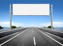 Pusty billboard lub drogowy znak Zdjęcie Royalty Free
