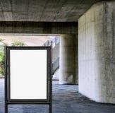 Pusty billboard na betonowej ściany tle pod mostem Fotografia Royalty Free