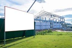 Pusty billboard przy budową Obrazy Royalty Free