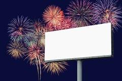 Pusty billboard z fajerwerku tłem Fotografia Royalty Free