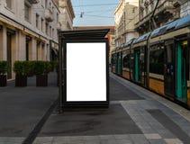 Pusty billboardu egzamin próbny up w Milano centrum miasta zdjęcie stock