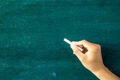 Pusty blackboard, chalkboard/, ręki writing Zdjęcie Stock
