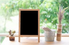 pusty blackboard na tarasie Obraz Royalty Free