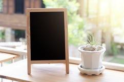 pusty blackboard na tarasie Zdjęcie Stock