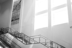 Pusty eskalator 2 i schodki Obrazy Stock