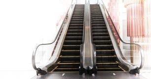 Pusty eskalator w wydziałowym sklepie Fotografia Royalty Free