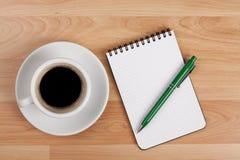 pusty filiżanki kawa espresso notepad pióro Zdjęcie Royalty Free