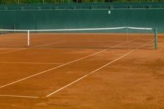 Pusty gliniany tenisowy sąd Zdjęcia Royalty Free