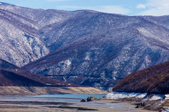 Pusty jezioro blisko Ananuri kasztelu, Gruzja Fotografia Stock