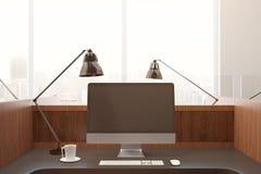 Pusty komputeru osobistego ekran przy miejscem pracy Obraz Royalty Free