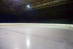 Pusty lodowy lodowisko, hokejowa arena obrazy royalty free