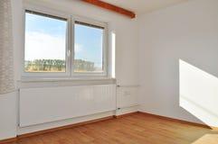 Pusty mieszkanie, izbowy wnętrze zdjęcia stock