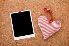 Pusty natychmiastowy fotografii i czerwieni serce Obraz Royalty Free