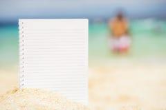 Pusty notepad na tle tropikalny morze przy słonecznym dniem Obraz Royalty Free