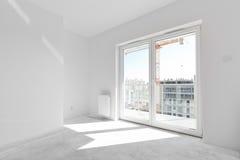 Pusty nowy mieszkanie dla wewnętrznego przygotowania Okno światło Zdjęcie Royalty Free