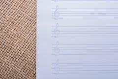 Pusty nutowy papier dla muzykalnych notatek Zdjęcie Stock