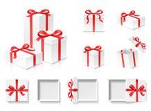Pusty otwarty prezenta pudełka set z czerwonego koloru łęku kępką i faborek odizolowywający na białym tle royalty ilustracja